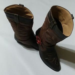 Rodeo Ropers boots.